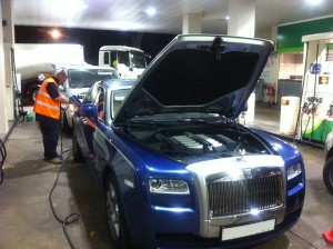 Fuel Fix engineer removing wrong fuel from blue Bentley